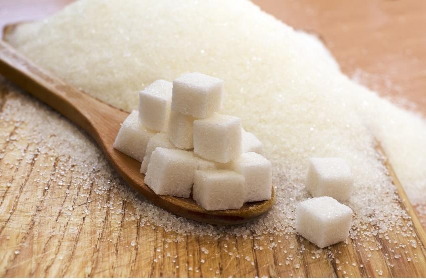 Cuando consumimos hidratos de carbono simples, tales como el azúcar, los niveles de azúcar en la sangre se elevan